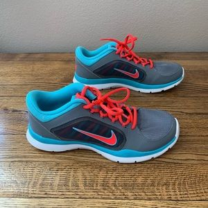Nike women's flex trainer only worn once